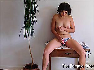 unshaved school girl wanks her dripping puss