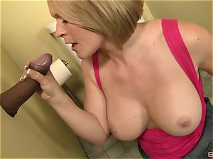 Krissy Lynn gives a oral pleasure to a ginormous ebony prick