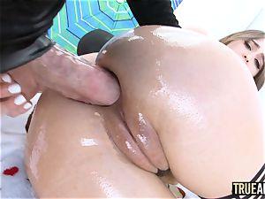 TRUE ass-fuck Riley Reid has her ass ate then poked