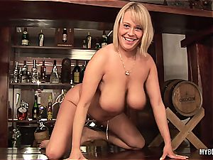 sexy Wanessa Lilio taking a hard spunk-pump inside her