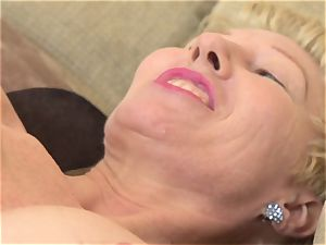 Mature poon fingering solo with Dalgny Marga