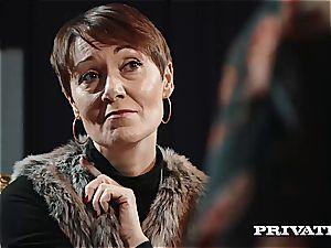 Private.com - Ella Hughes, jizm in Her fur covered poon