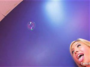 Taylor Vixen girly-girl fun