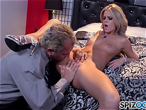 Jessa Rhodes delicious tight cooch is humped by a large shaft