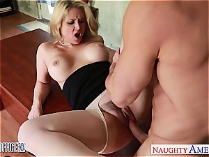 big-chested blonde Sarah Vandella pulverizing